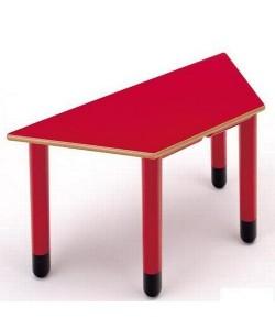 Mesa trapezoidal 405, de 110x55x55 cms, altura 46 o 52 cms.